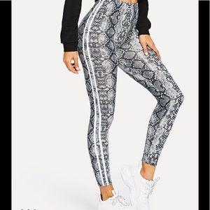 Pants - ✨LAST✨Snake Skin Print Leggings